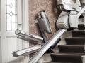 imca-lift-elevacion-silla-salvaescaleras-recta-silla-salvaescaleras-homeglide-con-rail-abatible-que-se-despliega-para-el-uso-de-la-silla-pero-se-abate-para-no-obstaculizar-el-acceso-a-puerta